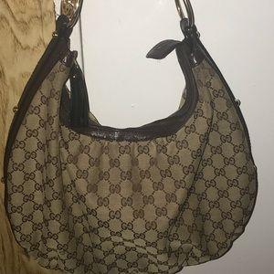 I'm selling my authentic designer bag